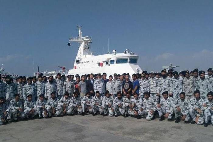चीन ने किया पाकिस्तानी नौसेना को मजबूत, बंदरगाहों की सुरक्षा के लिए सौंपे दो जहाज