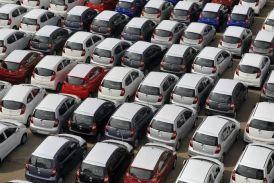 यात्री वाहनों की बिक्री ने पकड़ी रफ्तार, दोपहिया में गिरावट