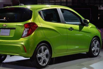 6 लाख से कममें खरीद सकते हैं आप ये 5 शानदार बजट कारें!