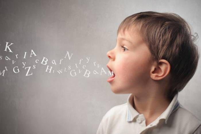 शब्दों को बार-बार बोलने से भाषा जल्द सीखते हैं बच्चे