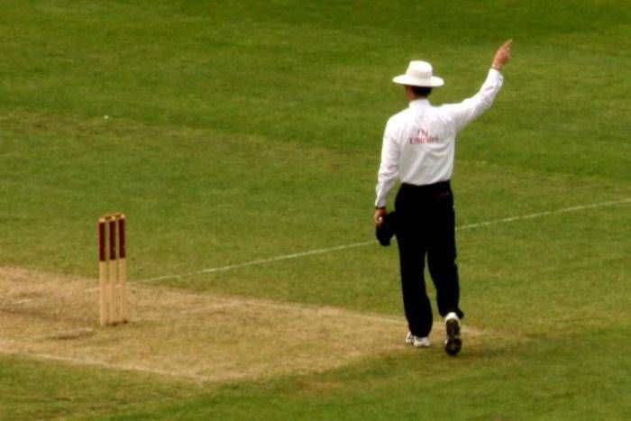 क्रिकेट नियमों में बड़े बदलाव: अब खिलाड़ी रहें सावधान नहीं तो अंपायर कर देगा मैदान से बाहर