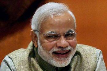 UP चुनाव: मोदी लहर के सामने विरोधी दल नतमस्तक, भाजपा में जश्न का माहौल