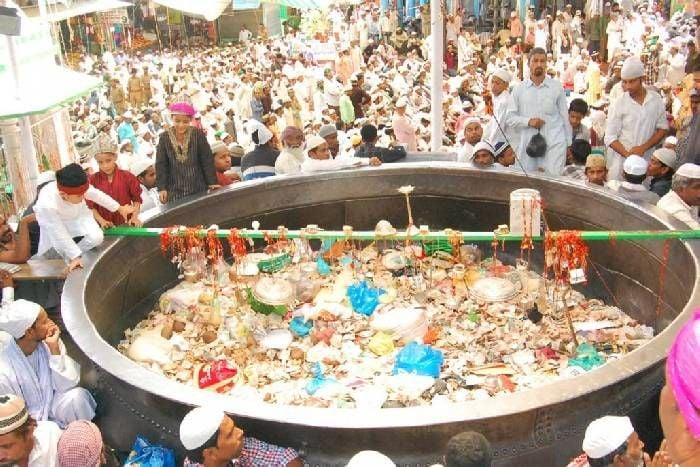 Food Cook In Ajmer Shrif Dargah Since 800 Years, Pilgrims Get Food Here - अजमेर की इस दरगाह में 800 साल से लगातार पक रहा खाना, नहीं जाता कोई यहां से भूखा   Patrika News