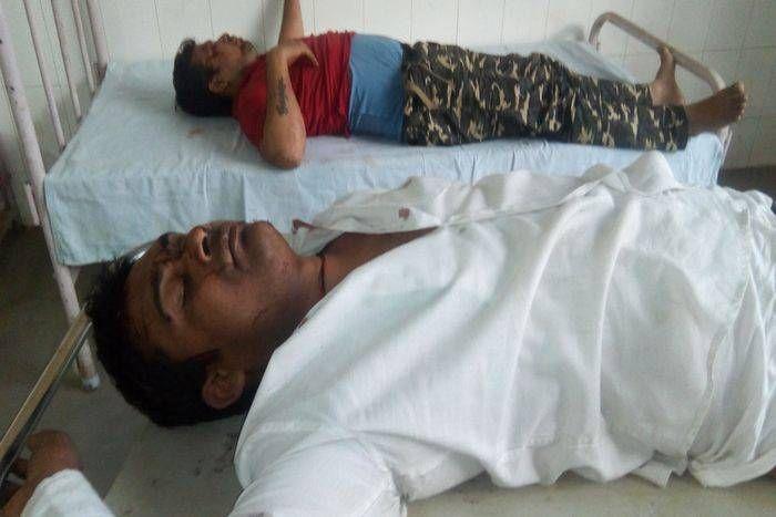 बालाजी दर्शन करने जा रहे पिता-पुत्र समेत पांच जने कार की ट्रक से टक्कर में घायल