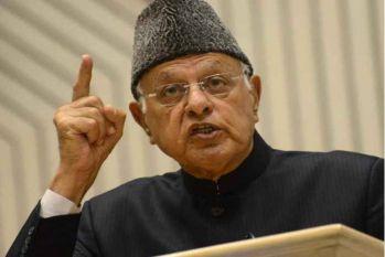 श्रीनगर उपचुनाव: मतों की गिनती शुरू, पीडीपी उम्मीदवार से आगे फारुख अब्दुल्ला