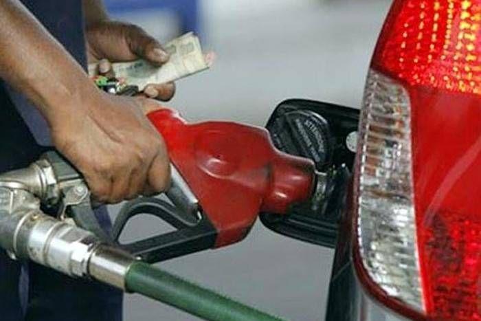 अब पेट्रोल पंपों पर नहीं होगी लाइन लगने की टेंशन, घर बैठे मिलेगा पेट्रोल और डीजल!