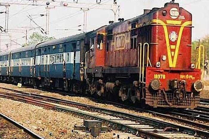 रेल यात्रियों के लिए खुशखबरी, लंबी दूरी की ट्रेनों में बढ़ाई जाएंगी एसी 3 कोच