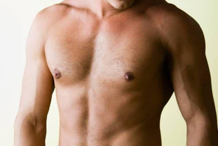 पुरुषों को भी हो सकता है स्तन कैंसर, जानिए कारण और लक्षण