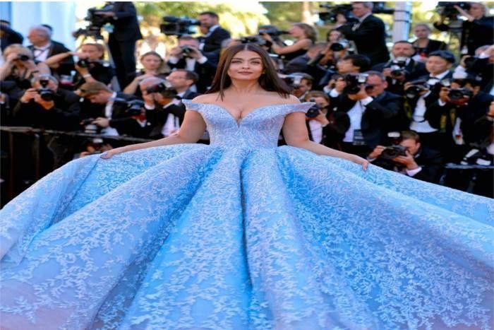 Cannes के रेड कार्पेट पर छाया ऐश्वर्या की खूबसूरती का जादू, किसी ने कहा 'सिंड्रेला' तो किसी ने बोला 'डिजनी प्रिसेंस'