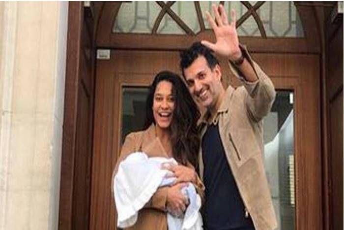 मॉडल और एक्ट्रेस लीजा हेडन ने दिया बेटे को जन्म, फोटो शेयर कर दी Baby Boy के नाम की जानकारी