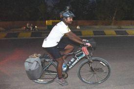 Video : साइकिल से आठ हजार किमी का सफर तय कर राजस्थान पहुंचे संदीप