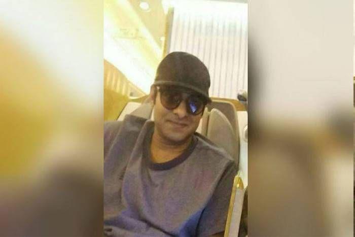 'बाहुबली' प्रभास नई फिल्म के लिए हुए क्लीन शेव, नए लुक की इस फोटो ने सोशल मीडिया पर मचाया धमाल