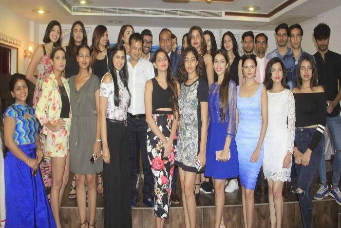 Fashion Show At Pacific University प स फ क क इल य म न ट 2017 फ शन श म द ख ग प रम पर क और म डर न थ म क नज र Patrika News