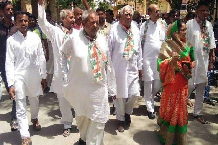 Jaislamer politics- रस्म अदायगी रहा कांग्रेस का धरना, पौन घंटे में हुआ पूरा