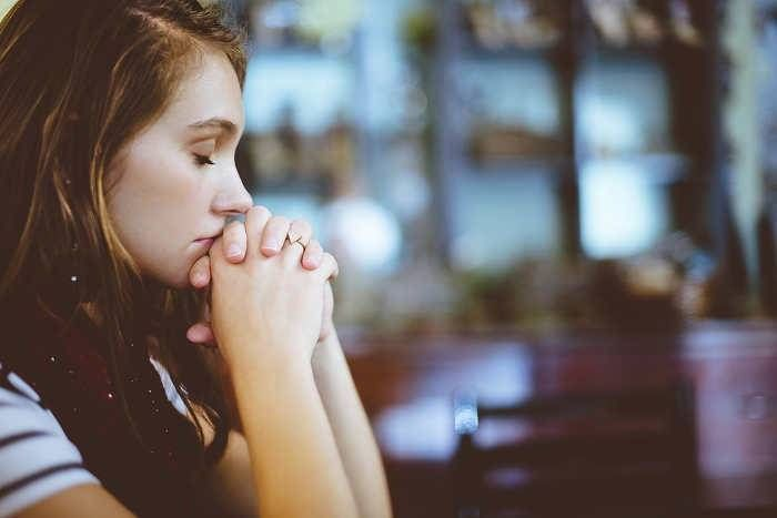 जिंदगी में निराशा छाने लगे तो खुद को दें बढ़ावा, ये टिप्स भरेंगे आप में जोश