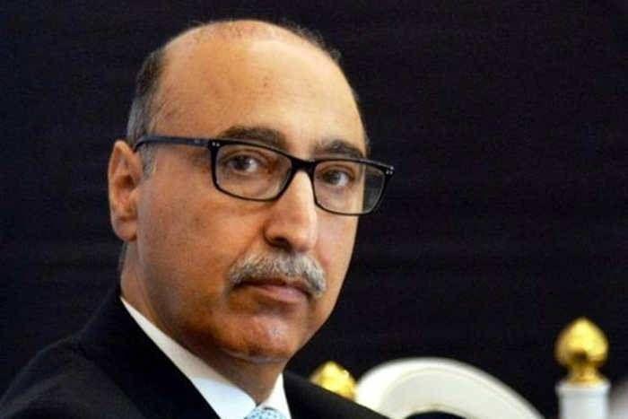 कुलभूषण जाधव को फांसी देने के फैसले पर पाकिस्तान का 'यू-टर्न', बासित बोले-ICJ के फैसले से पहले नहीं देंगे फांसी