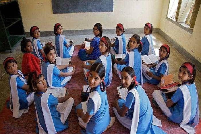 सरकारी स्कूलों के बच्चों के लिए फरमान, आधार लिंक तो ही मिलेगा दोपहर का भोजन, 30 जून तक लिंक करवाना जरूरी