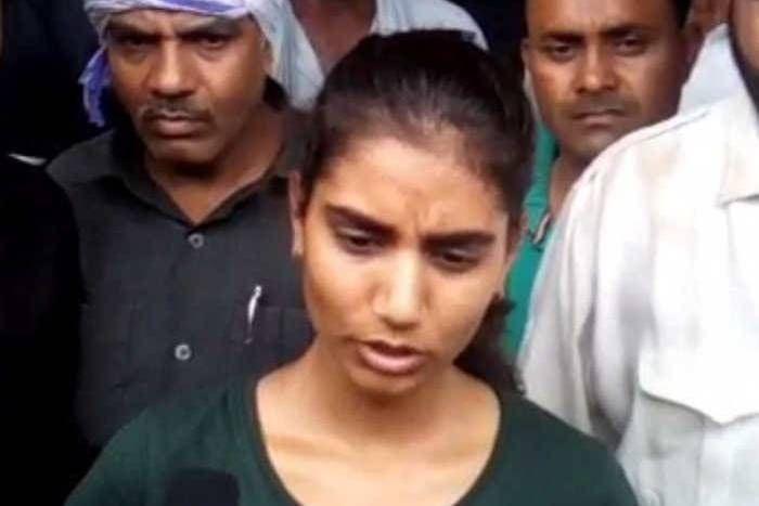 VIDEO: आनंदपाल की बेटी ने फर्जी एनकाउंटर का लगाया आरोप, बोली-CBI जांच की मांग नहीं माने जाने तक नहीं उठाएंगे शव