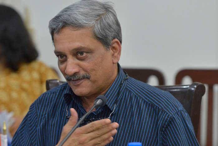 एंकर ने मंत्री से पूछा था अपमानजनक सवाल, इसलिए हमने की पाकिस्तान पर सर्जिकल स्ट्राइक : पर्रिकर