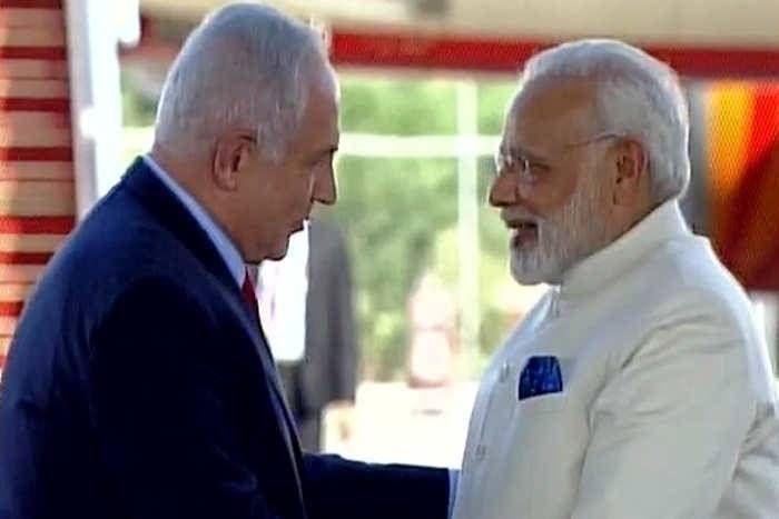 इजरायल में PM मोदी का शानदार स्वागत, नेतन्याहू ने हाथ जोड़कर हिंदी में कहा -आपका स्वागत है मेरे दोस्त