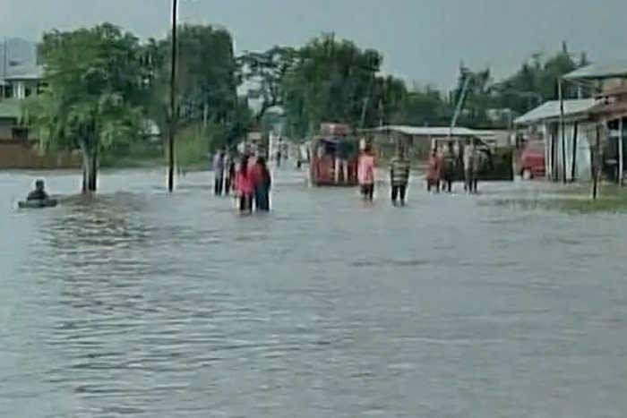 मणिपुर में बाढ़ से बिगड़े हालात, भूस्खलन से बचाव आैर राहत कार्यों में आ रही है दिक्कत