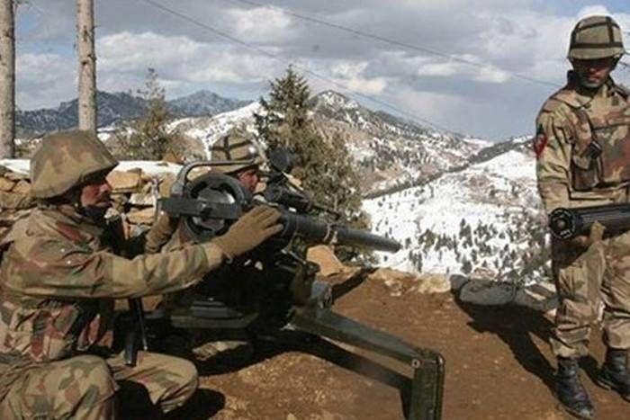 भारतीय सेना की जवाबी गोलीबारी में पाकिस्तानी सेना का वाहन नदी में गिरा, चार सैनिकों की मौत