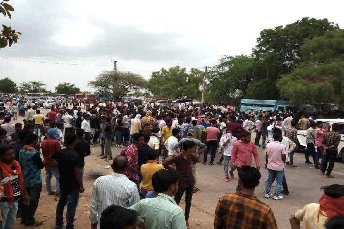 आनंदपाल की श्रद्घांजलि सभा में बवाल के बाद 12 हजार के खिलाफ FIR, सांवराद कर्फ्यू में आज 12 घंटे की ढील