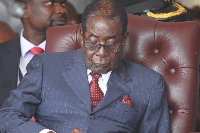 जिम्बाब्वे में नकदी की कमी के बावजूद राष्ट्रपति मुगाबे ने साली के बर्थडे पर खर्चे 39 लाख
