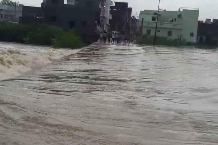 राजस्थान के 6 जिलों में बाढ़ जैसे हालात, अगले 24 घंटे में कर्इ जिलों में हो सकती है भारी बरसात