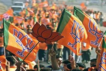 राजग को 2019 के चुनाव में मिलेंगे 55 फीसदी वोट, तो नेहरू-गांधी परिवार की आखिरी विरासत होंगे राहुल- BJP