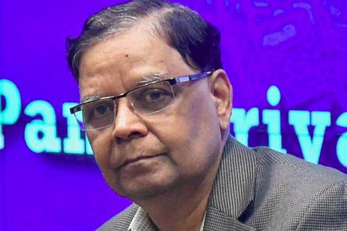 कहीं संघ की नाराजगी ताे नहीं पानगढिय़ा के इस्तीफे की वजह? किसानों पर आयकर लगाने के सुझाव से विवादाें में थे