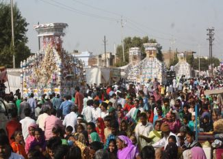 कर्बला में ताजिए सुपुर्द-ए-खाक, अखाड़ों के उस्तादों ने दिखाए करतब