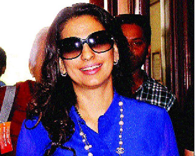 अभिनेत्री जूही चावला के खिलाफ झूठी FIR दर्ज कराने वाले को खोज रही पुलिस