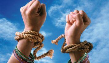 Violence Against Women: महिलाएं बोलीं  गलतियां बर्दाश्त न करें उठाएंआवाज