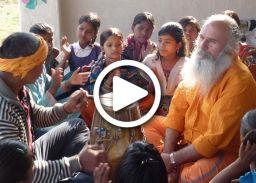 जब भारत में इटालियन गाने लगा हनुमान चालीसा...