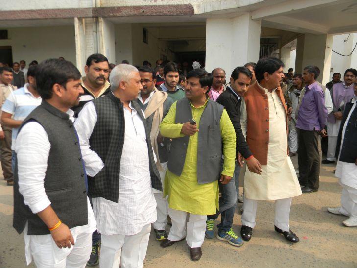 हार से हैरान आजमगढ. मेंमंत्री और विधायक आपस में भिड़ेे